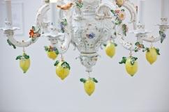 Chris Antemann, Lemon Chandelier MEISSEN COUTURE® Art Collection at COLLECT15, photo © Cristina Schek