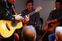 tommy-emmanuel-masterclass-ritz-music-26oct2014-photos-by-cristina-schek-4
