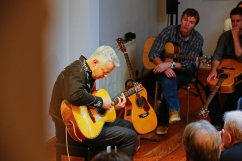 tommy-emmanuel-masterclass-ritz-music-26oct2014-photos-by-cristina-schek-7