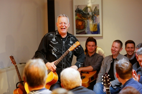 tommy-emmanuel-masterclass-ritz-music-26oct2014-photos-by-cristina-schek-8