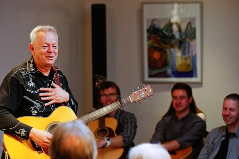 tommy-emmanuel-masterclass-ritz-music-26oct2014-photos-by-cristina-schek-9