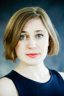 Nikki - Headshot by Cristina Schek (1)